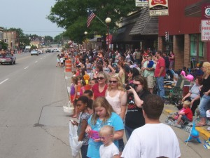Wisconsin-Events-Reedsburg-Butter-Festival-Parade-Crowd